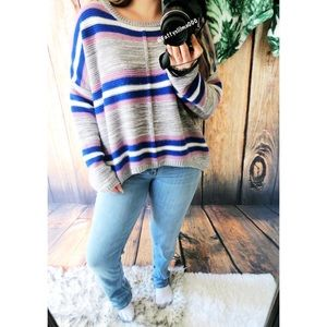 Ultra cozy striped baggy sweater 🌿